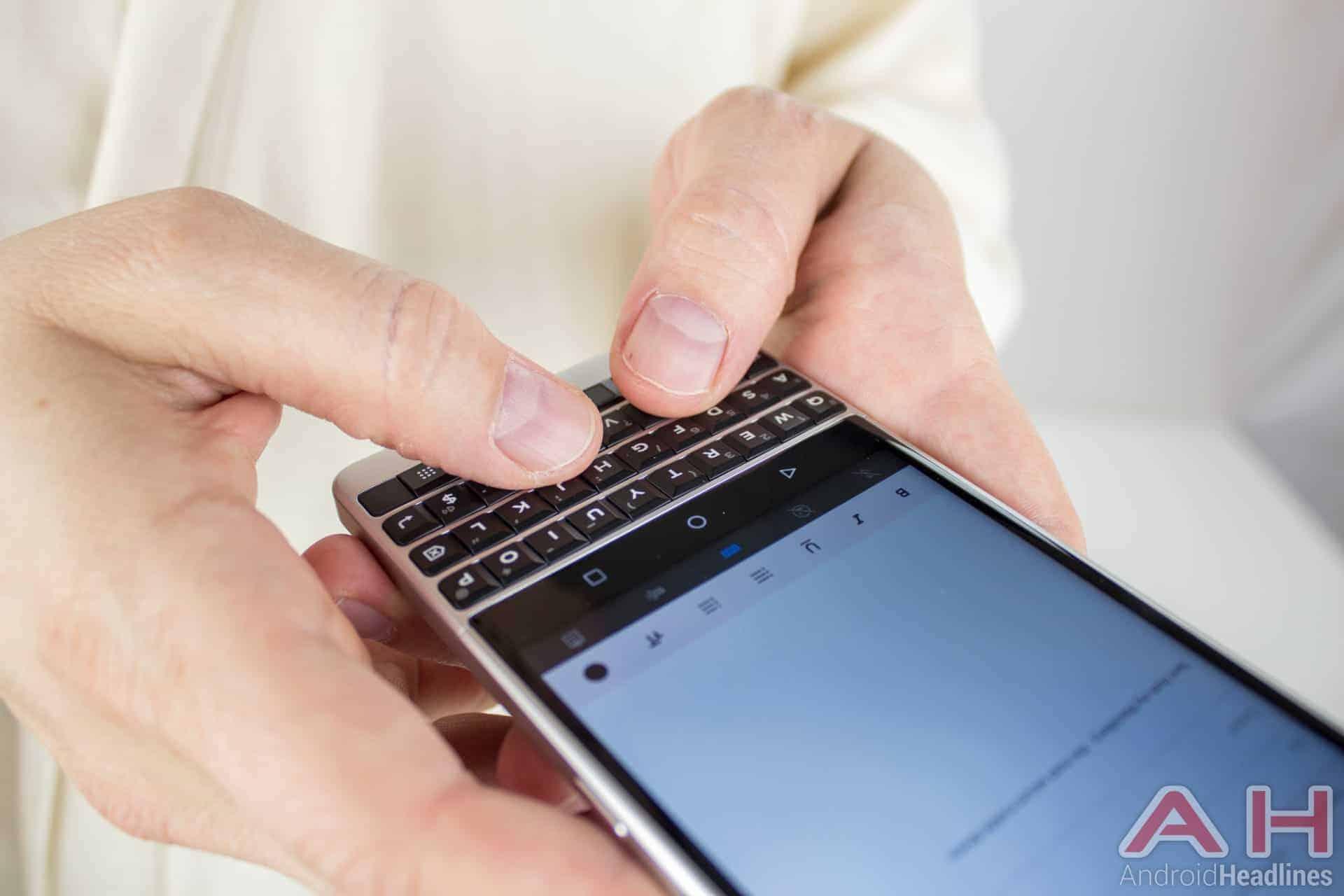 Blackberry KEY2 AH NS 33 keyboard use