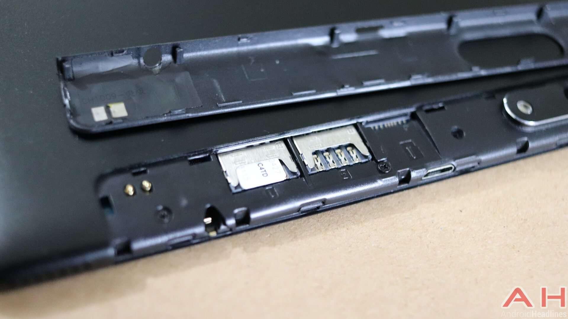 Chuwi Hi9 Air Review SIM ports SD AH 06