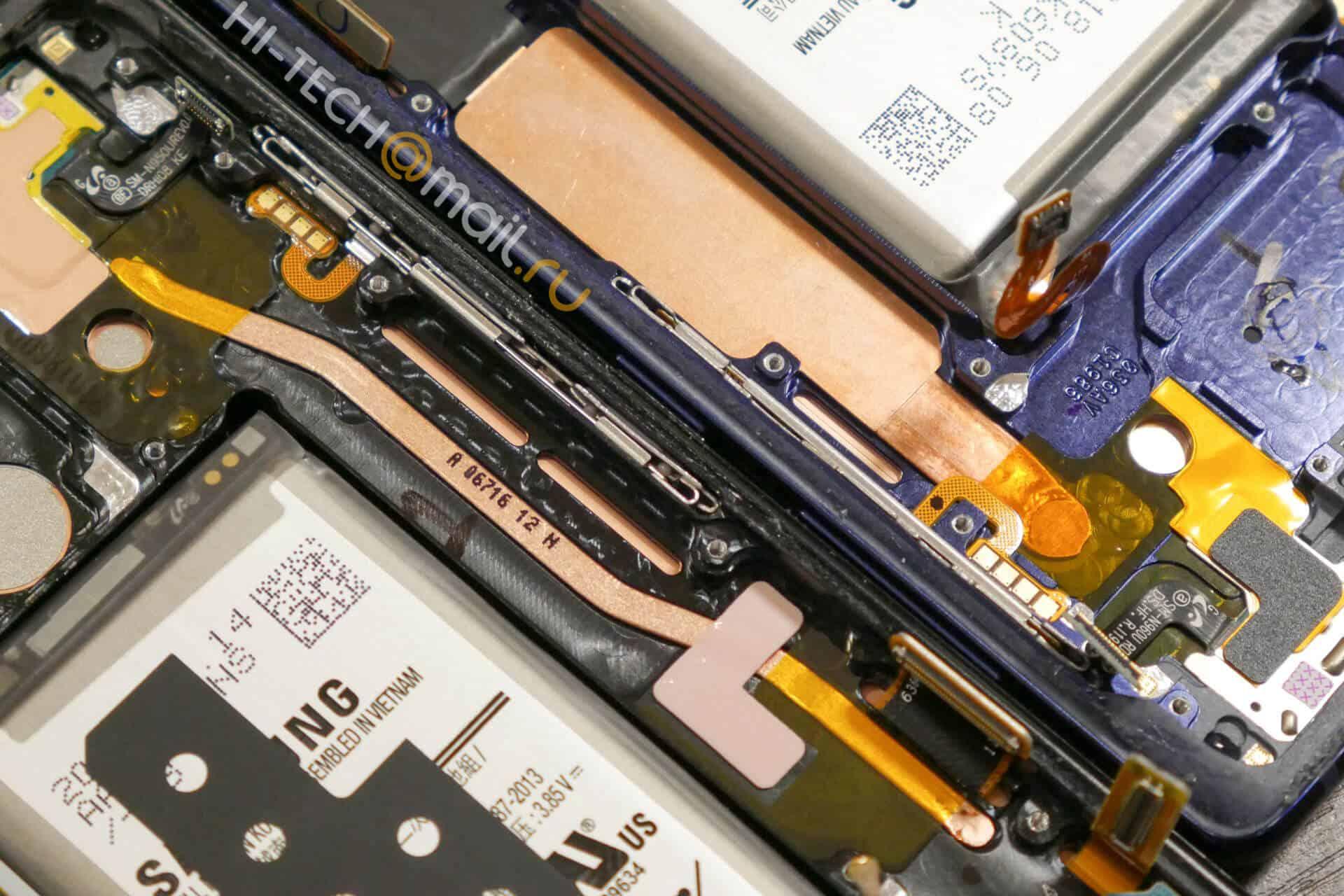 Galaxy Note 8 v Galaxy Note 9 teardown from Hi Tech Mail RU 12