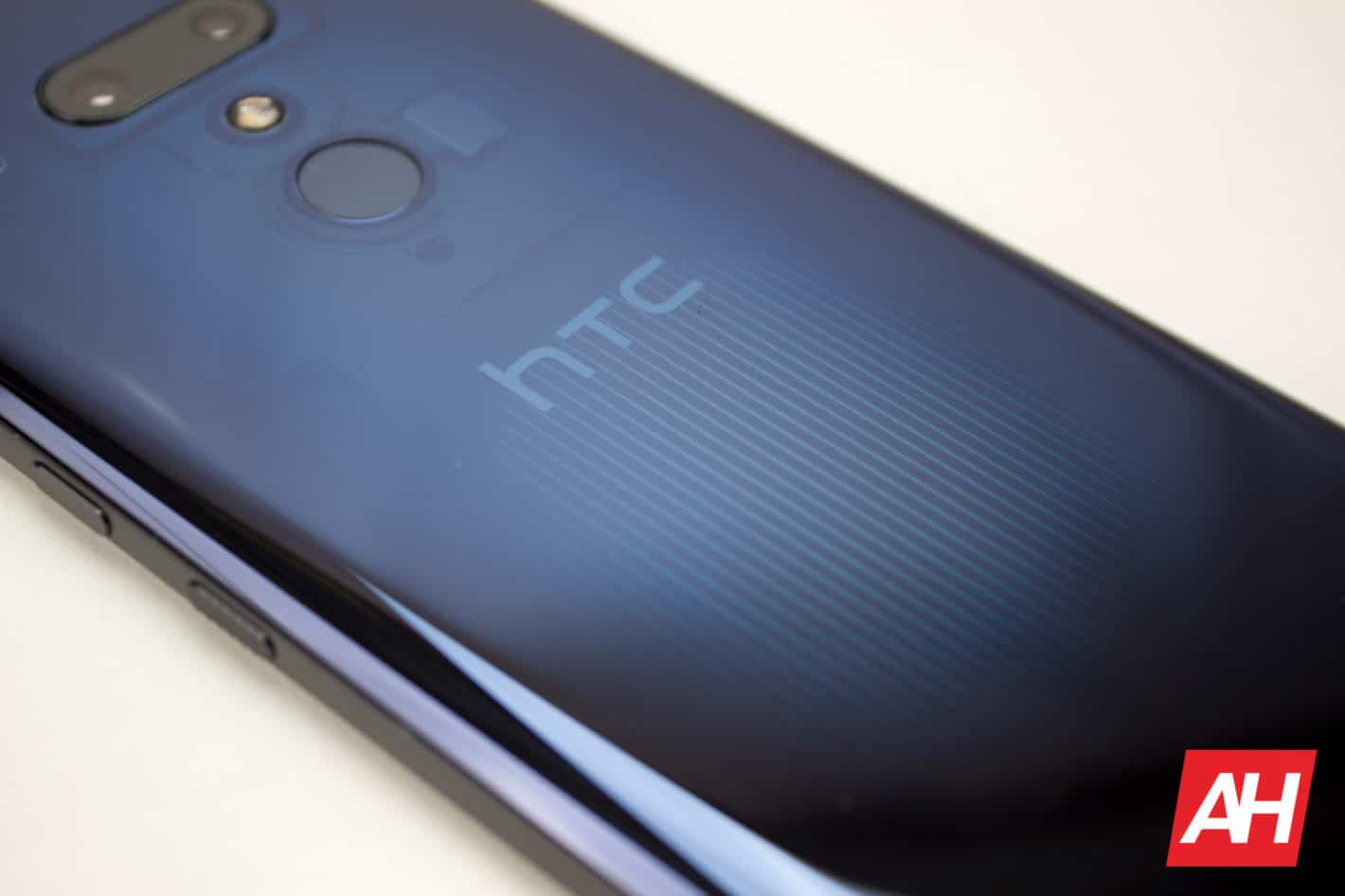 AH New Logo HTC U12 2018 05
