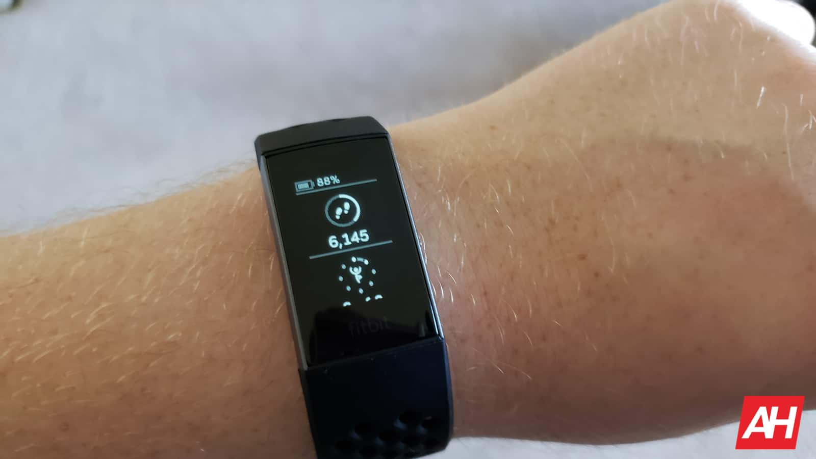 Fitbit Charge 3 Review AM AH 2