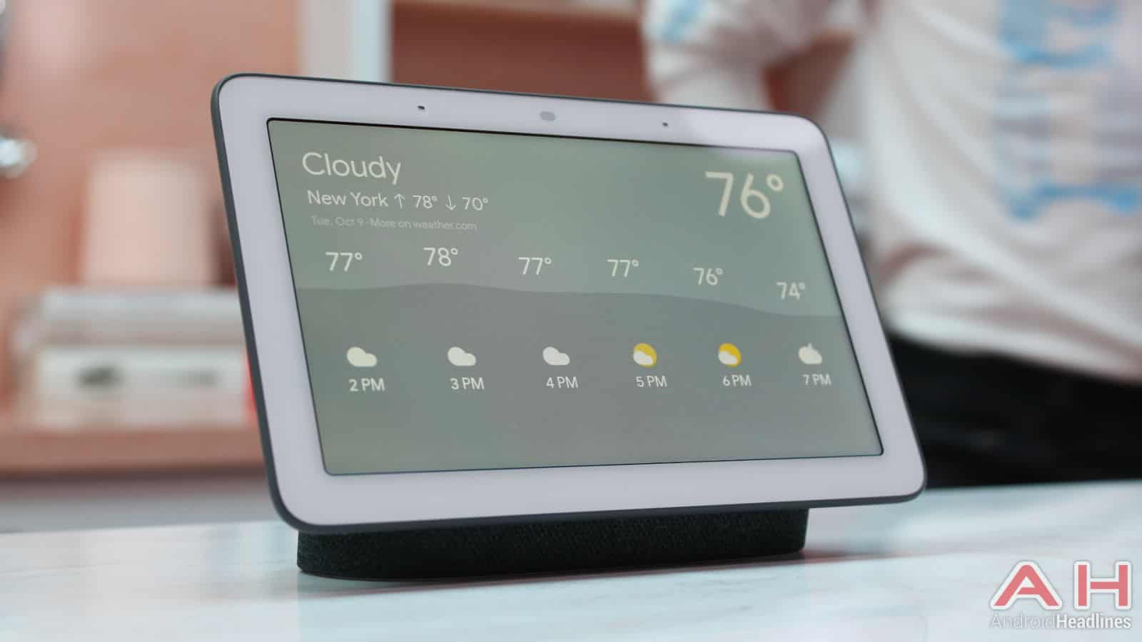 hands on with the google home hub smart display android news. Black Bedroom Furniture Sets. Home Design Ideas