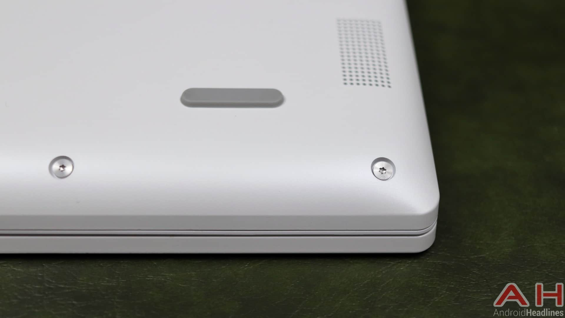 Lenovo C330 Review Hardware AH 09