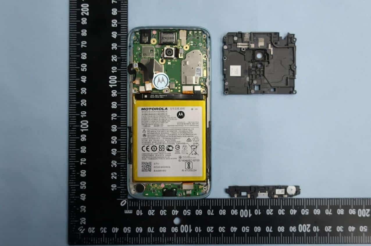 Moto G7 Play FCC with internals2