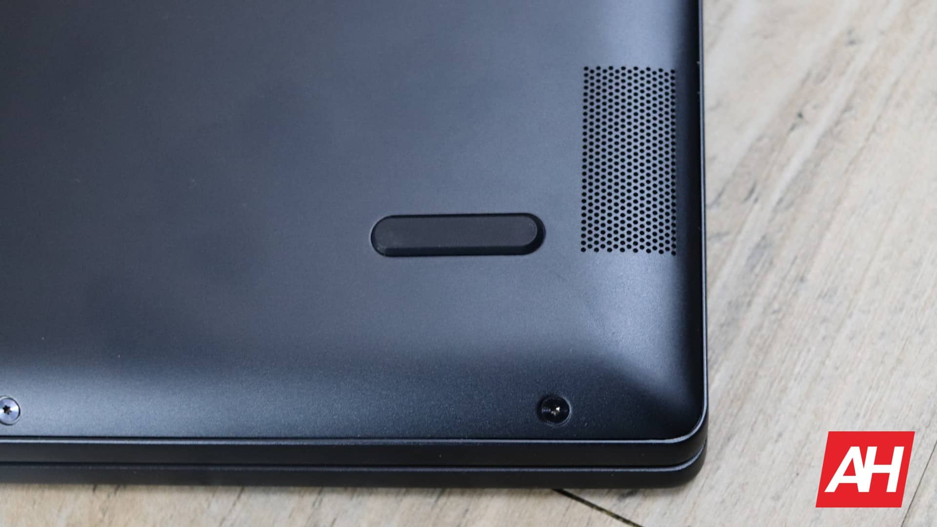 Lenovo Yoga Chromebook C630 Review Hardware AH 16