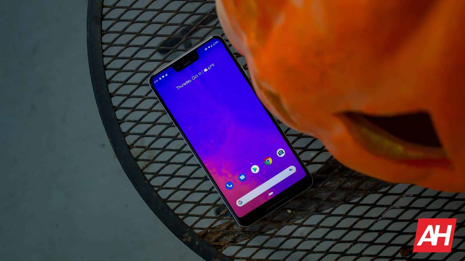 AH 2019 Google Pixel 3 XL 01