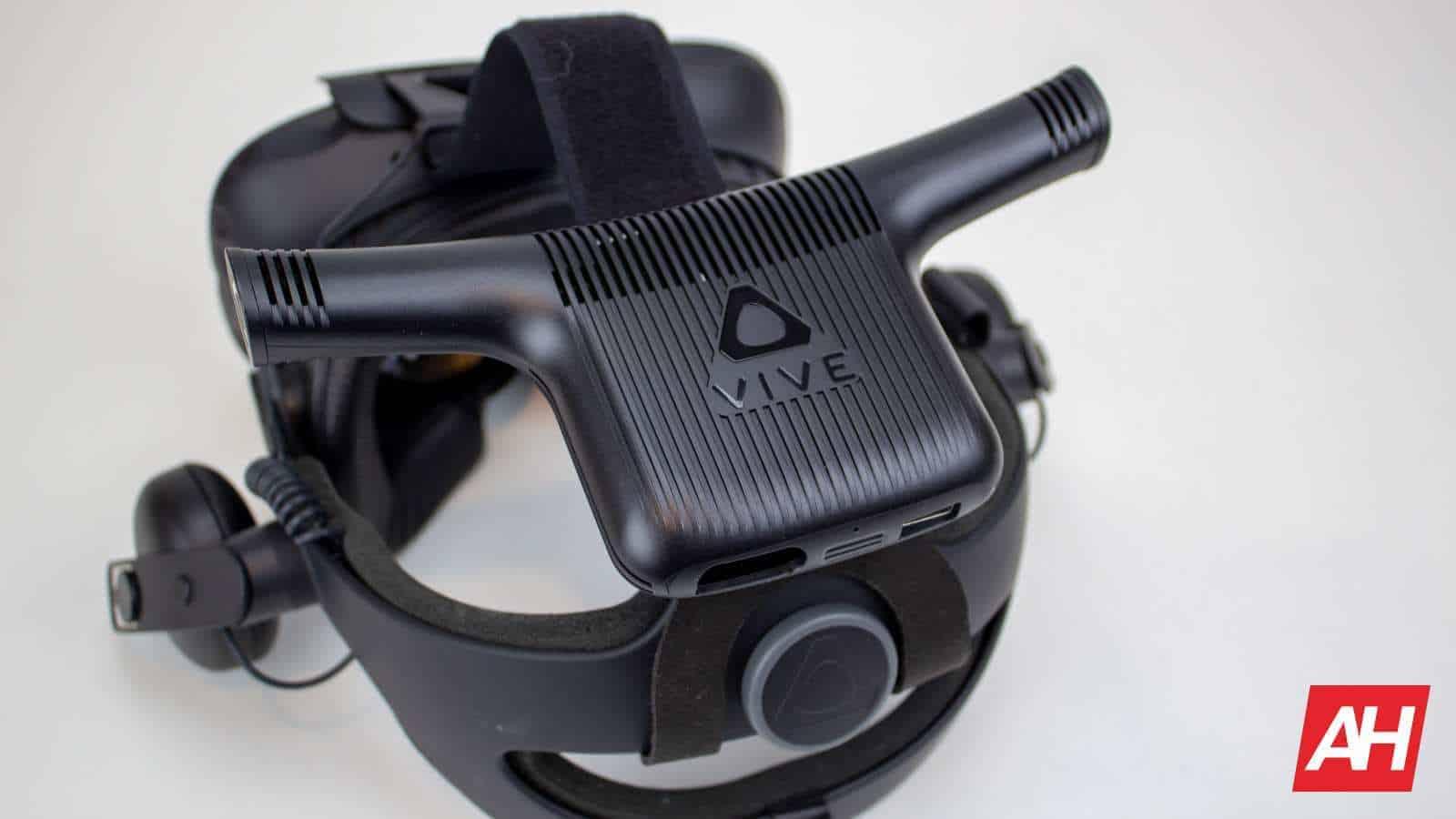 AH 2019 HTC Vive VR Wireless 06