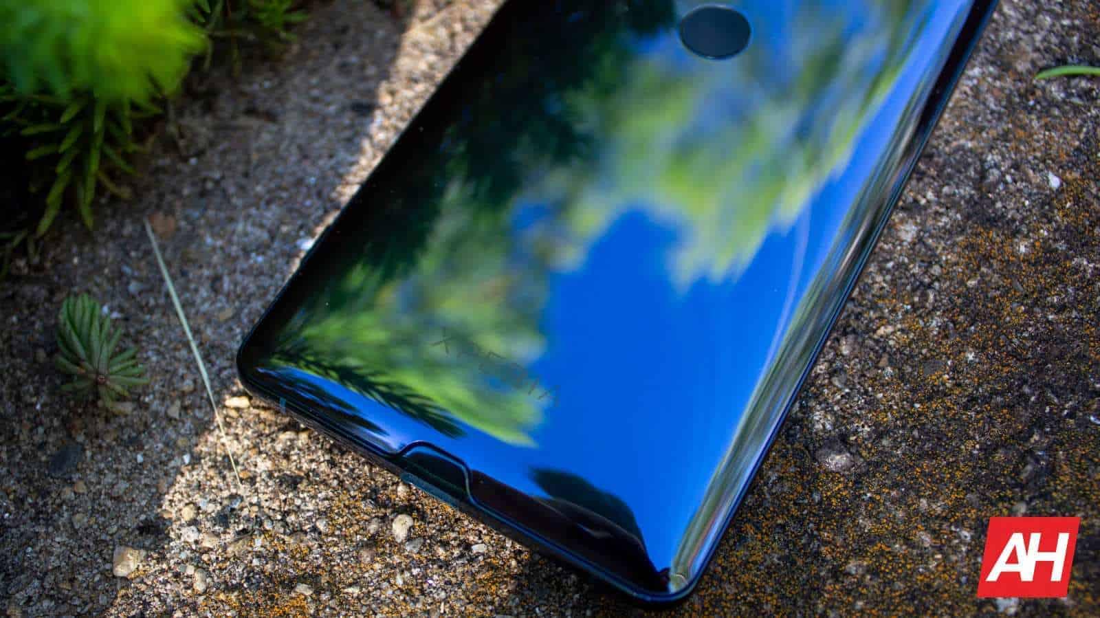 AH 2019 Sony Xperia XZ3 09