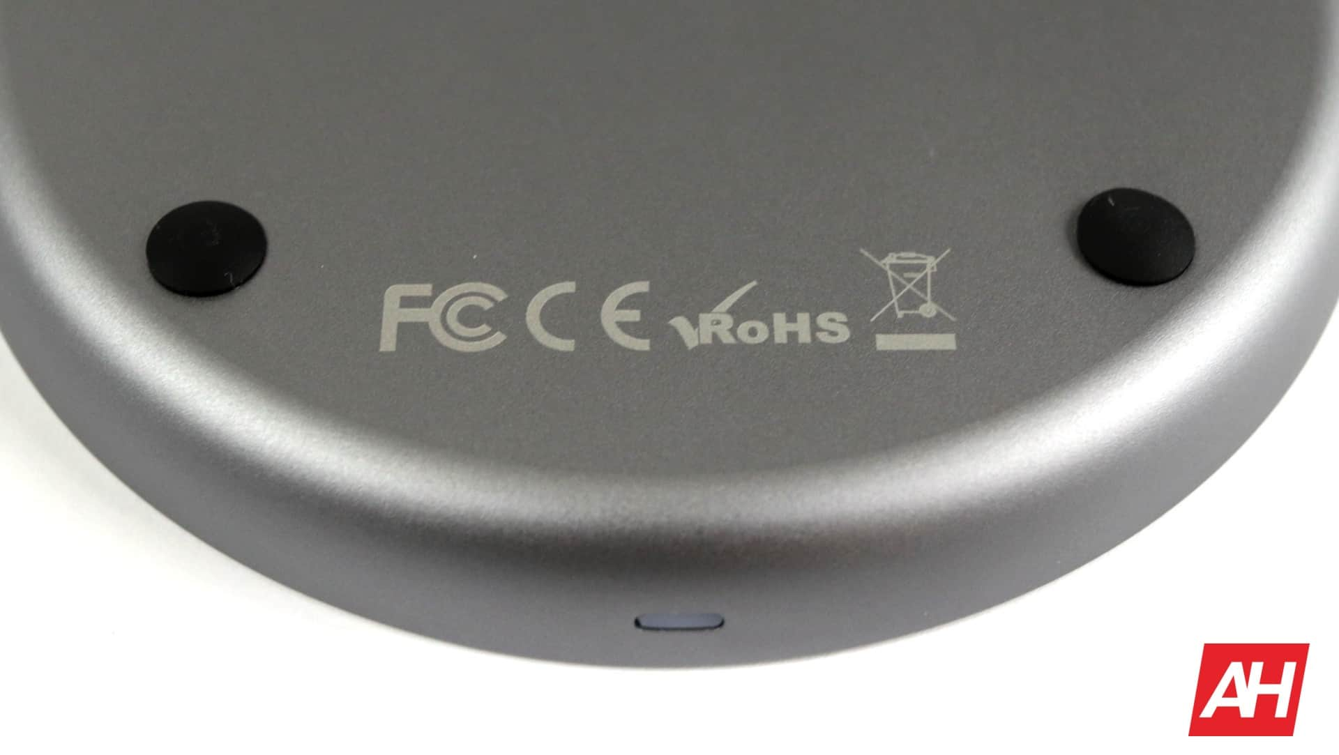 Satechi Wireless Charger V2 Review 09 AH