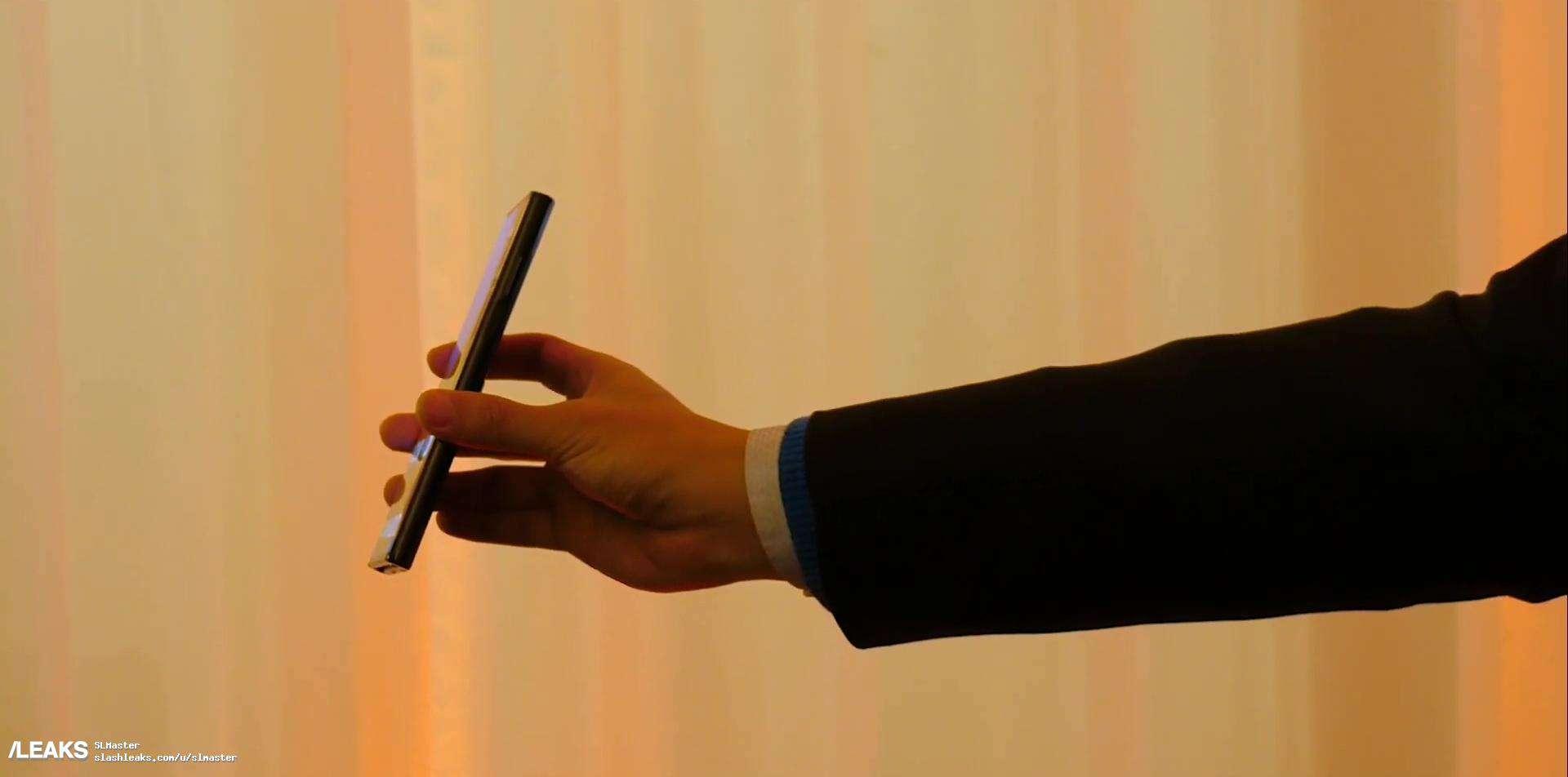 Huawei Mate X real life image leak 5