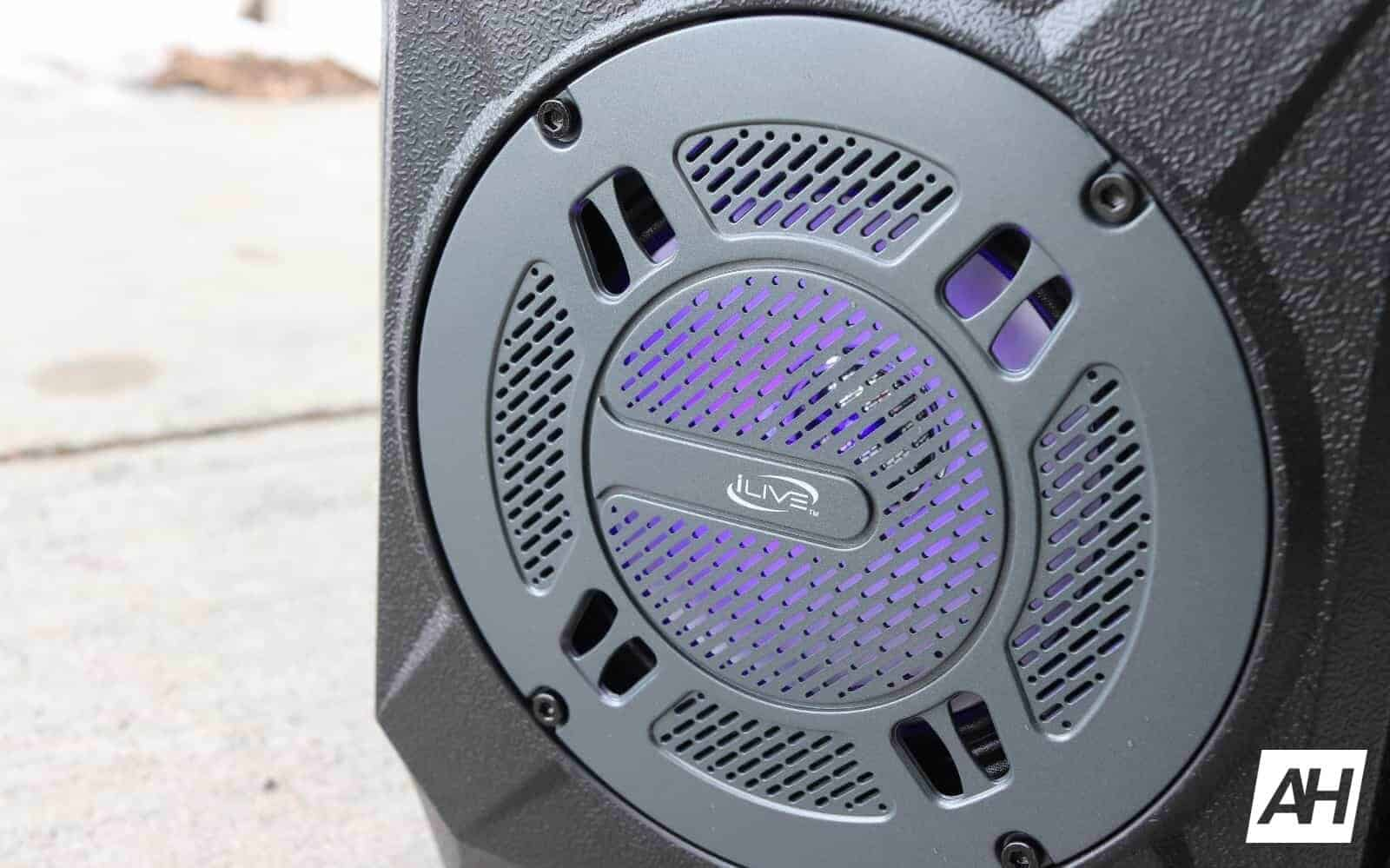 iLive Wireless Tailgate Speaker HARDWARE AH 2019 GLLRY 01