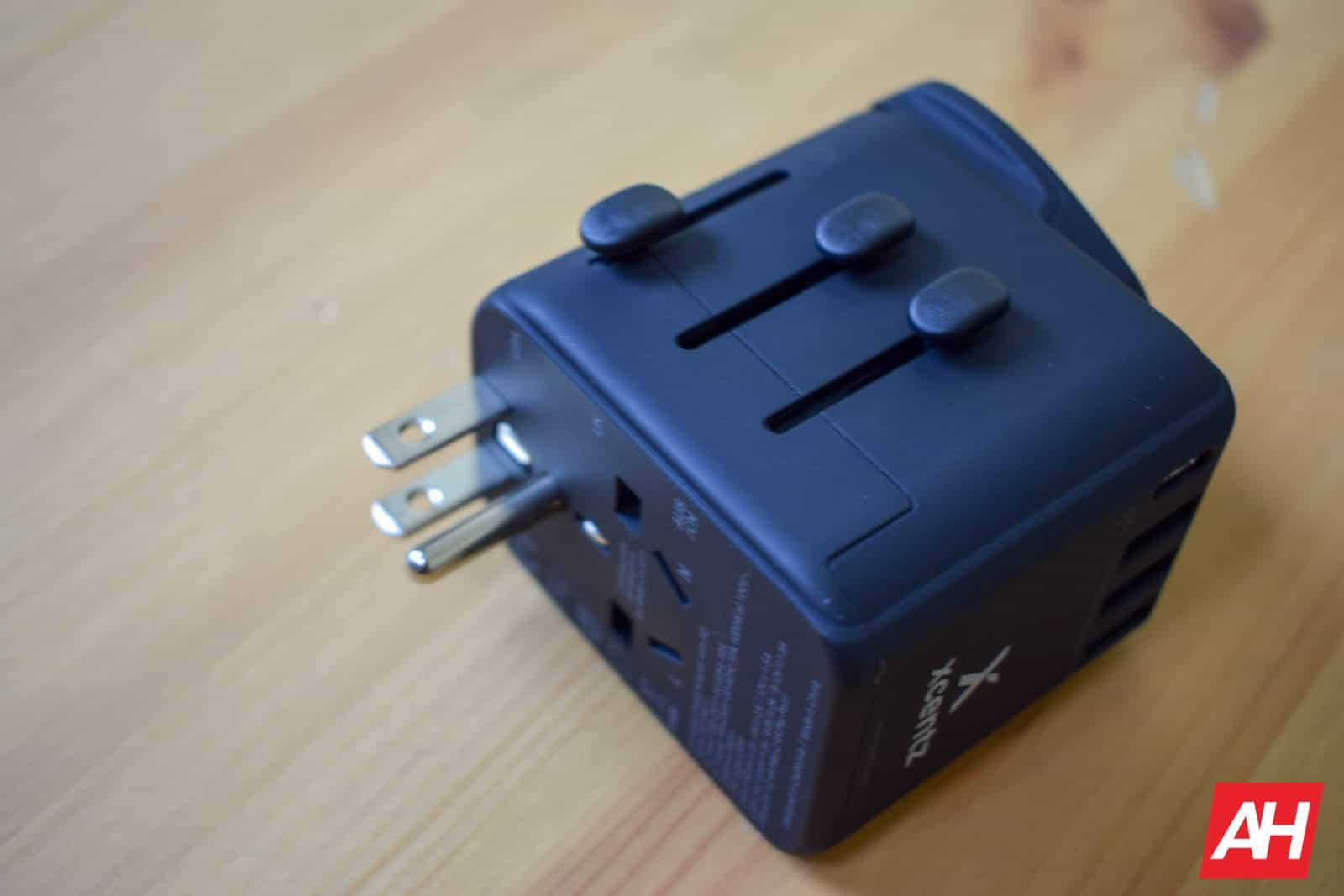 Xcentz Universal Travel Adapter AM AH 4