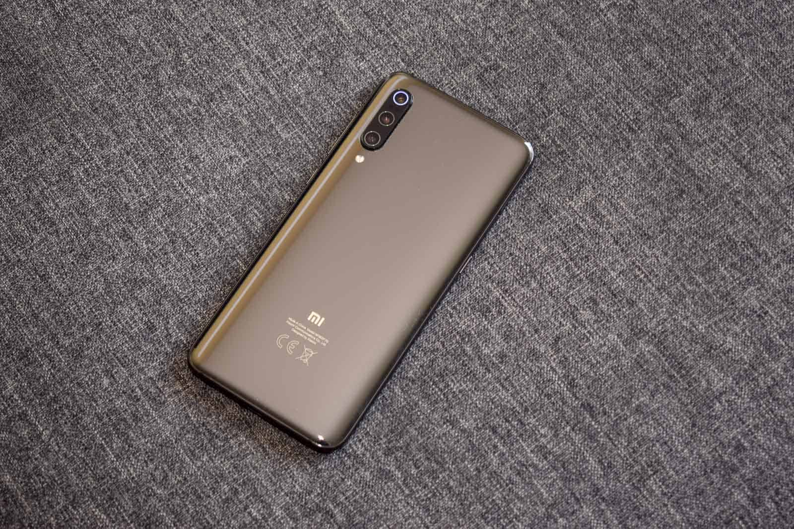 Xiaomi Mi 9 Review Featured AM AH 1 2
