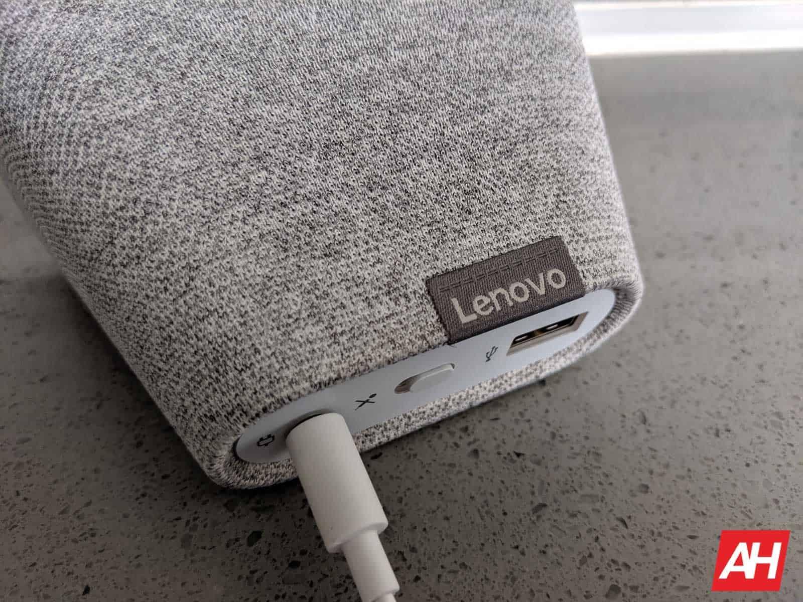 Lenovo Smart Clock Review AM AH 5