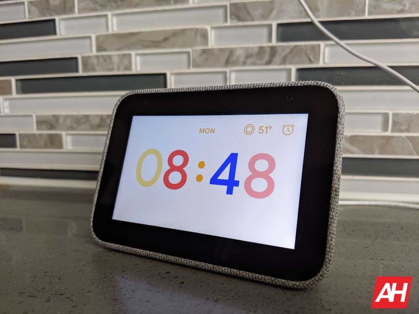 Lenovo Smart Clock Review AM AH 9