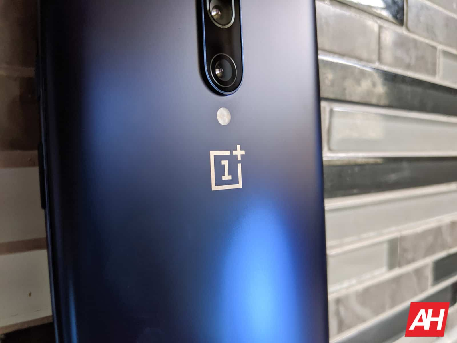 OnePlus 7 Pro Review AM AH 8