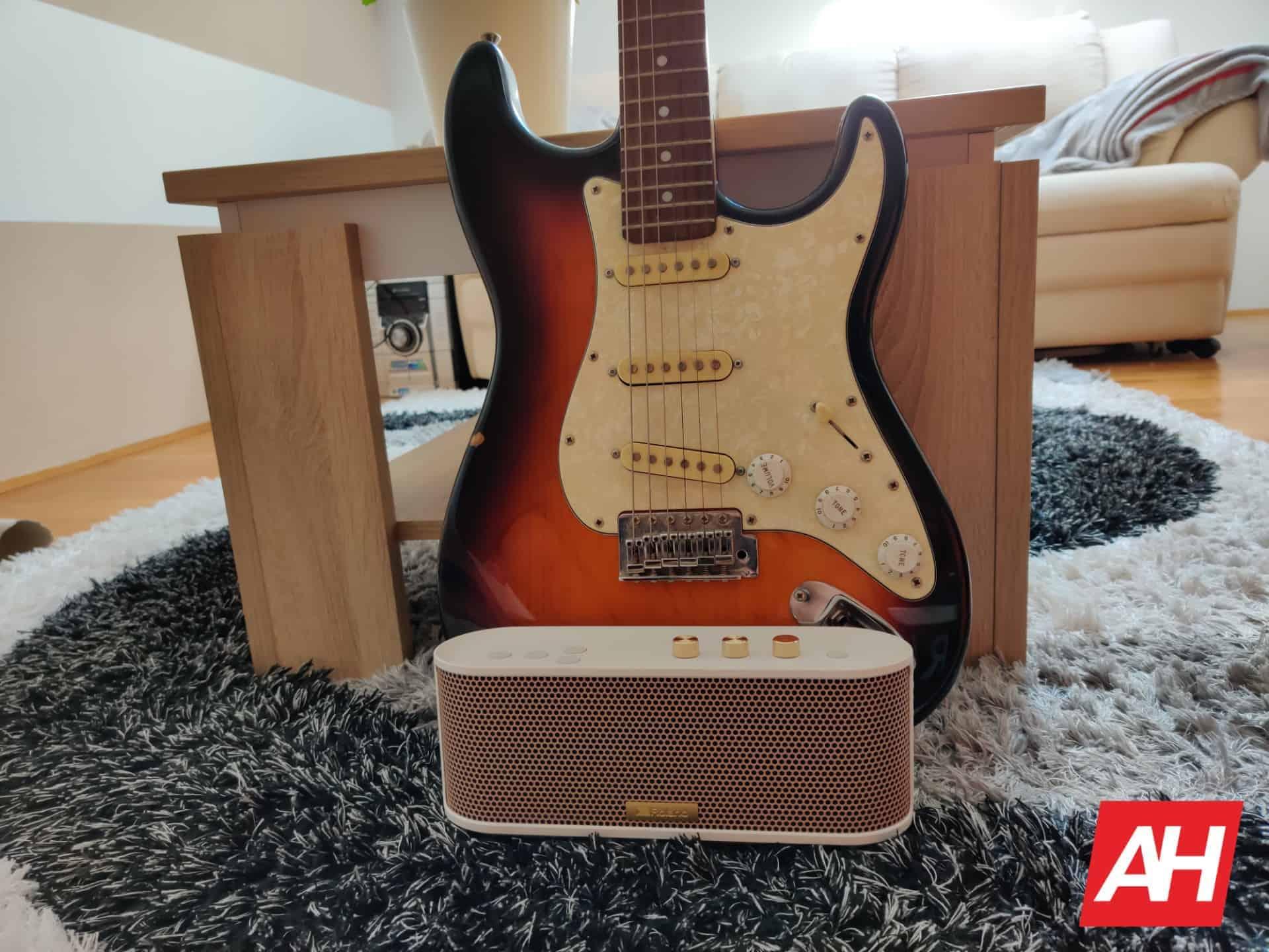 Roland BTM 1 Bluetooh speaker 27