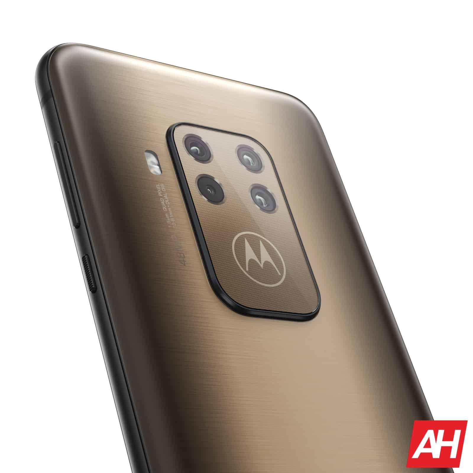 AH Motorola One Zoom 5