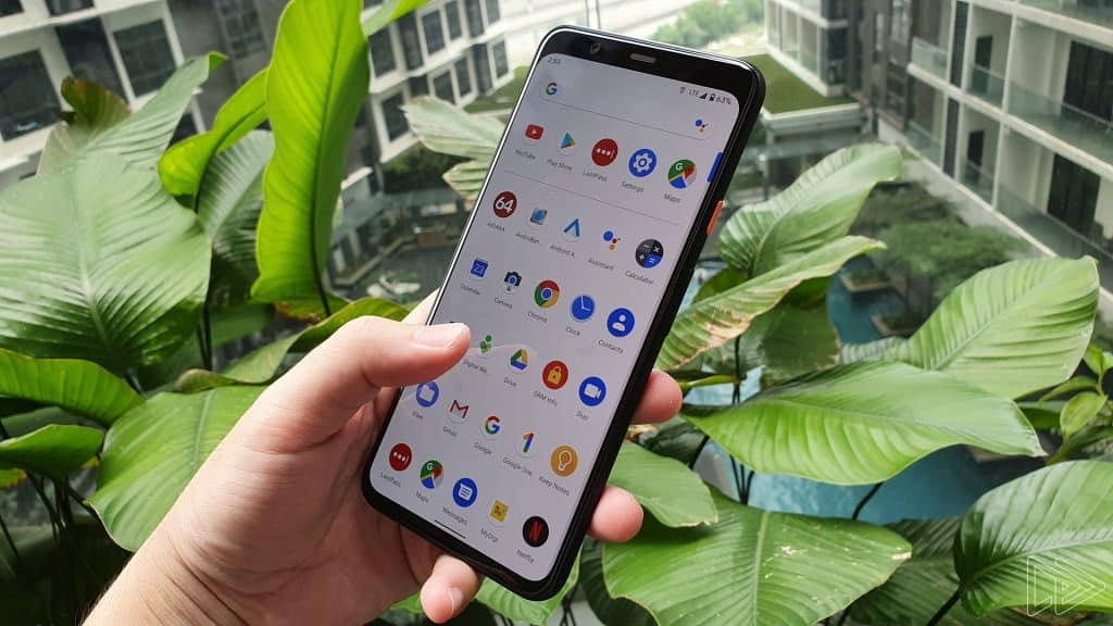Google Pixel 4 XL Clearly White hands on leak Nextrift image 10