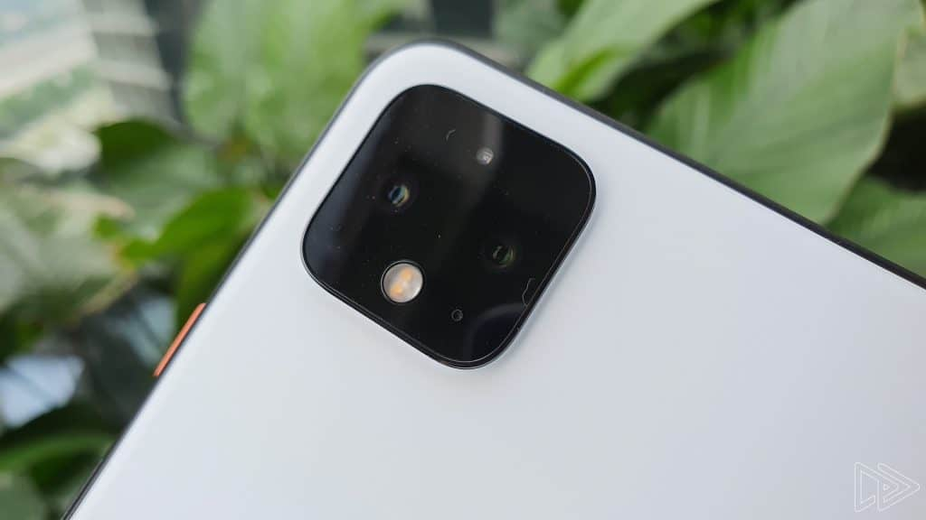 Google Pixel 4 XL Clearly White hands on leak Nextrift image 12