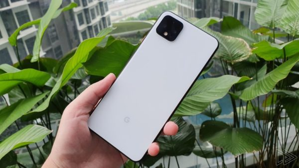 Google Pixel 4 XL Clearly White hands on leak Nextrift image 14