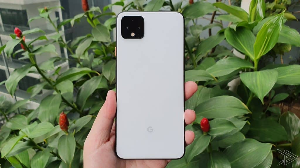 Google Pixel 4 XL Clearly White hands on leak Nextrift image 2