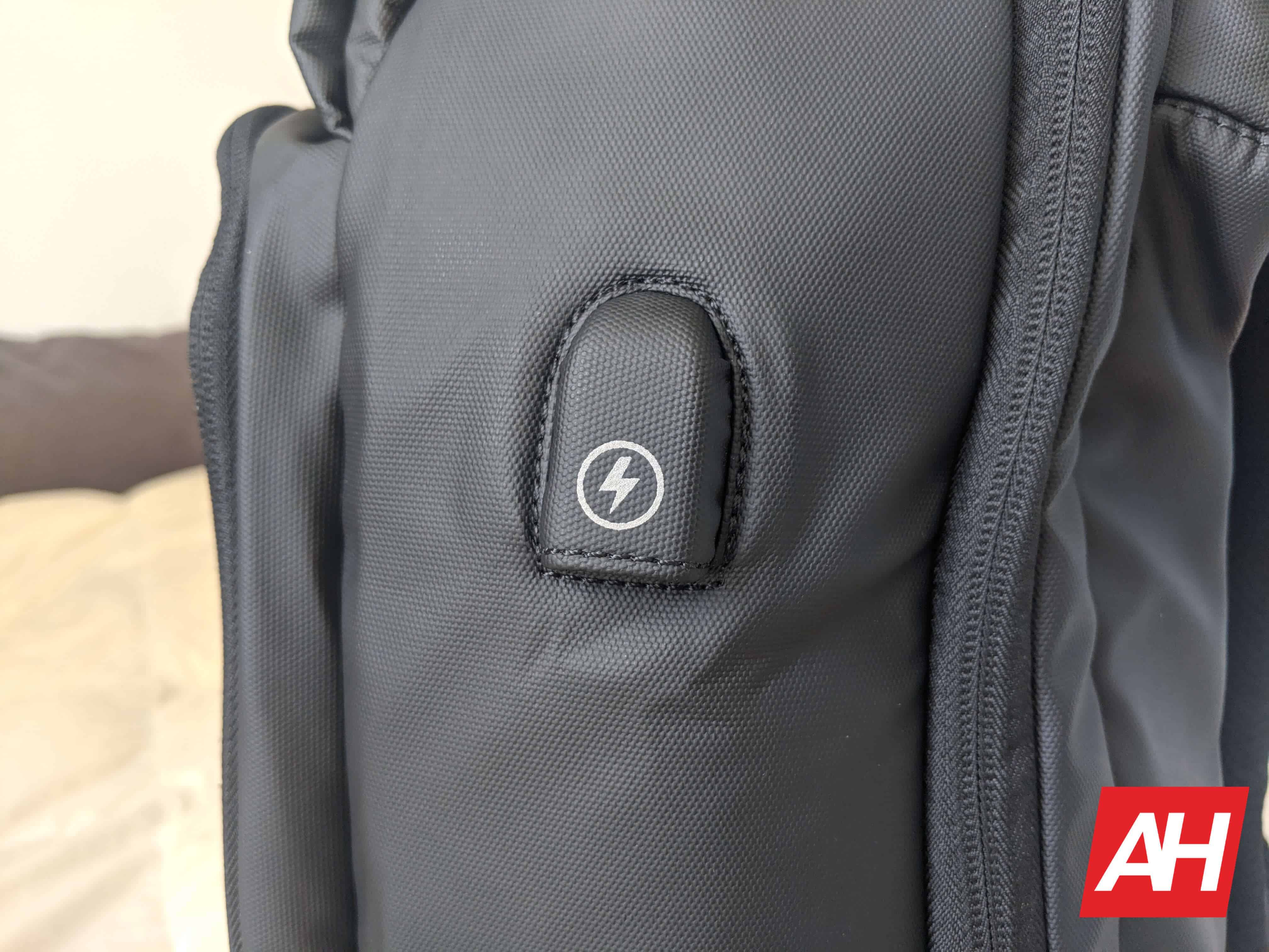 Nayo Smart Almighty Backpack Review 11
