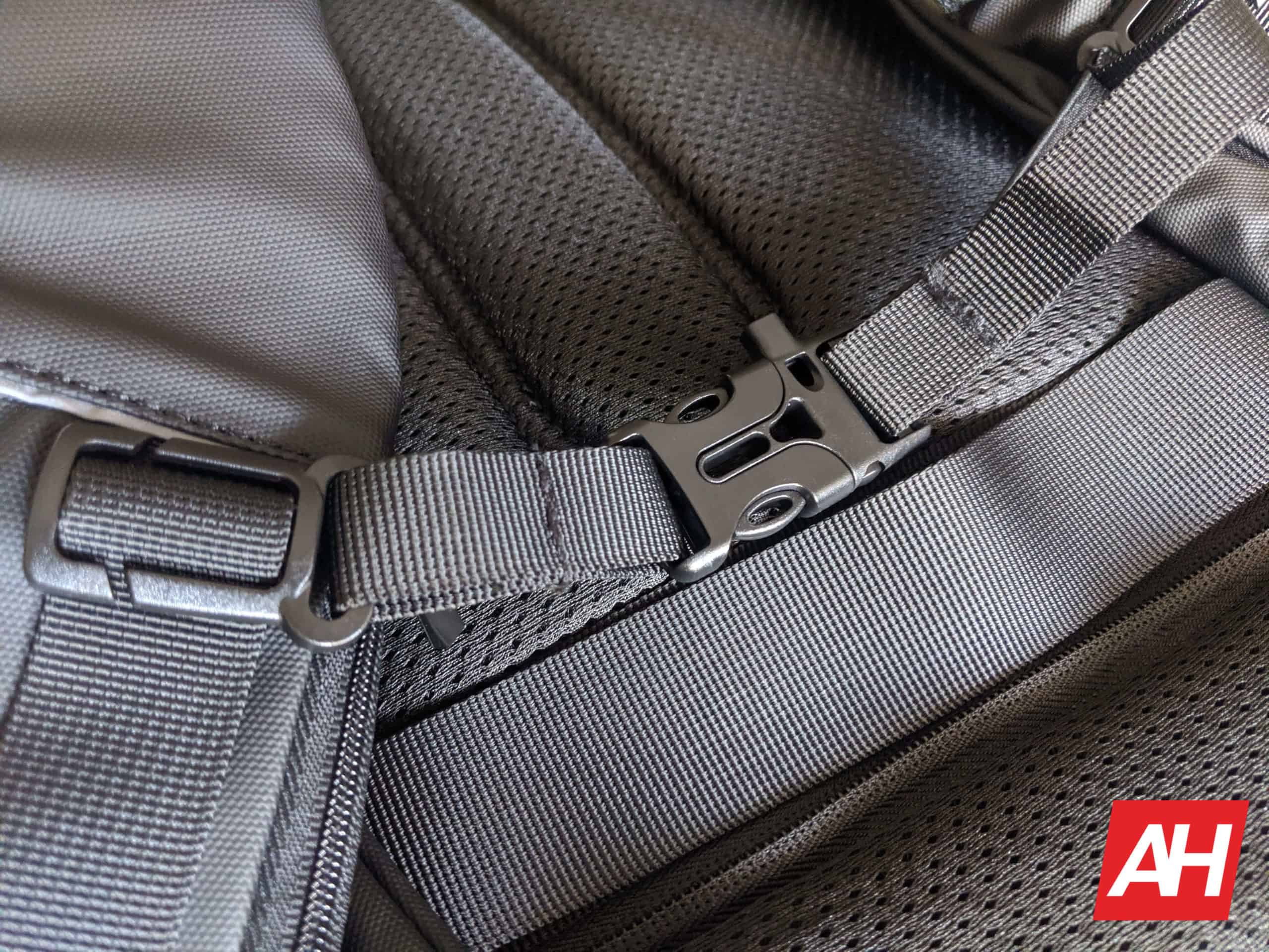 Nayo Smart Almighty Backpack Review 9