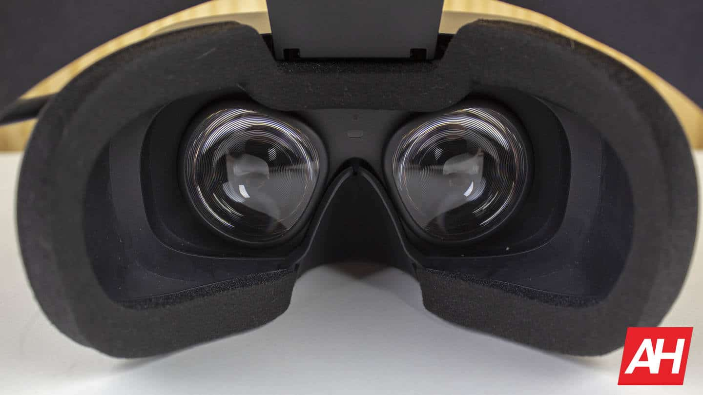 Oculus Rift S Improved lenses and display