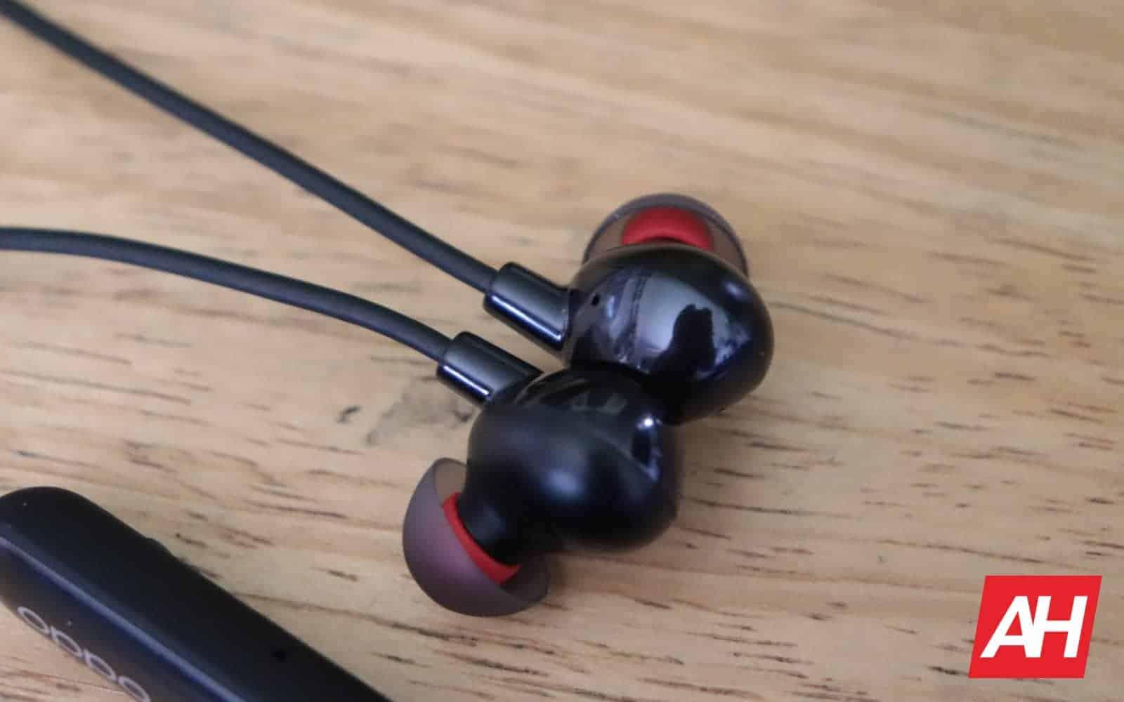 05 6 OPPO Enco Q1 Headphones Hardware AH 2019