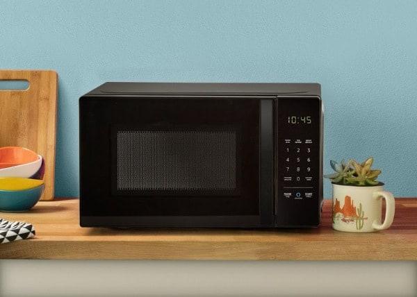 AmazonBasics Microwave 1