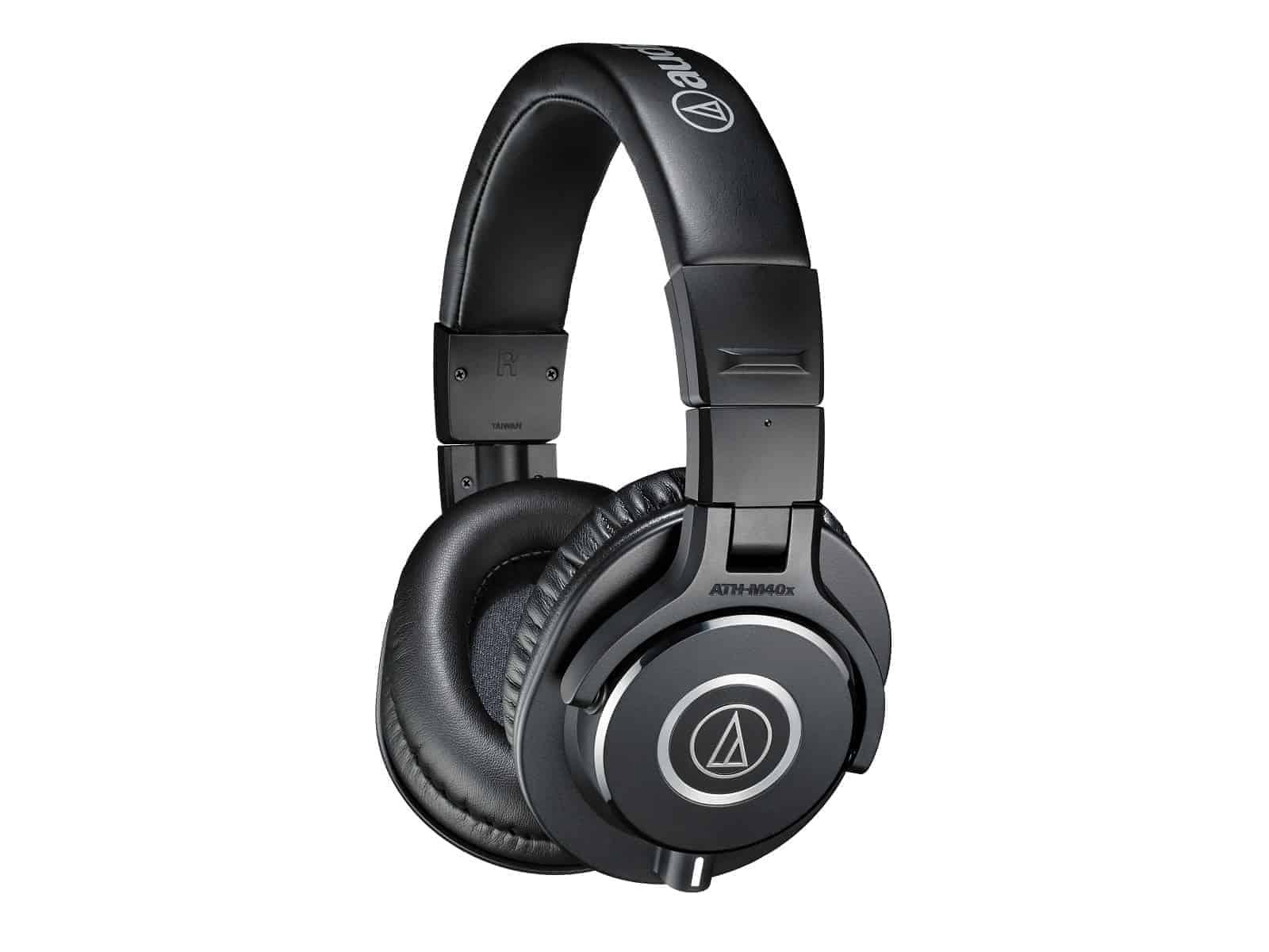 Audio Technica ATHM40x headphones 01