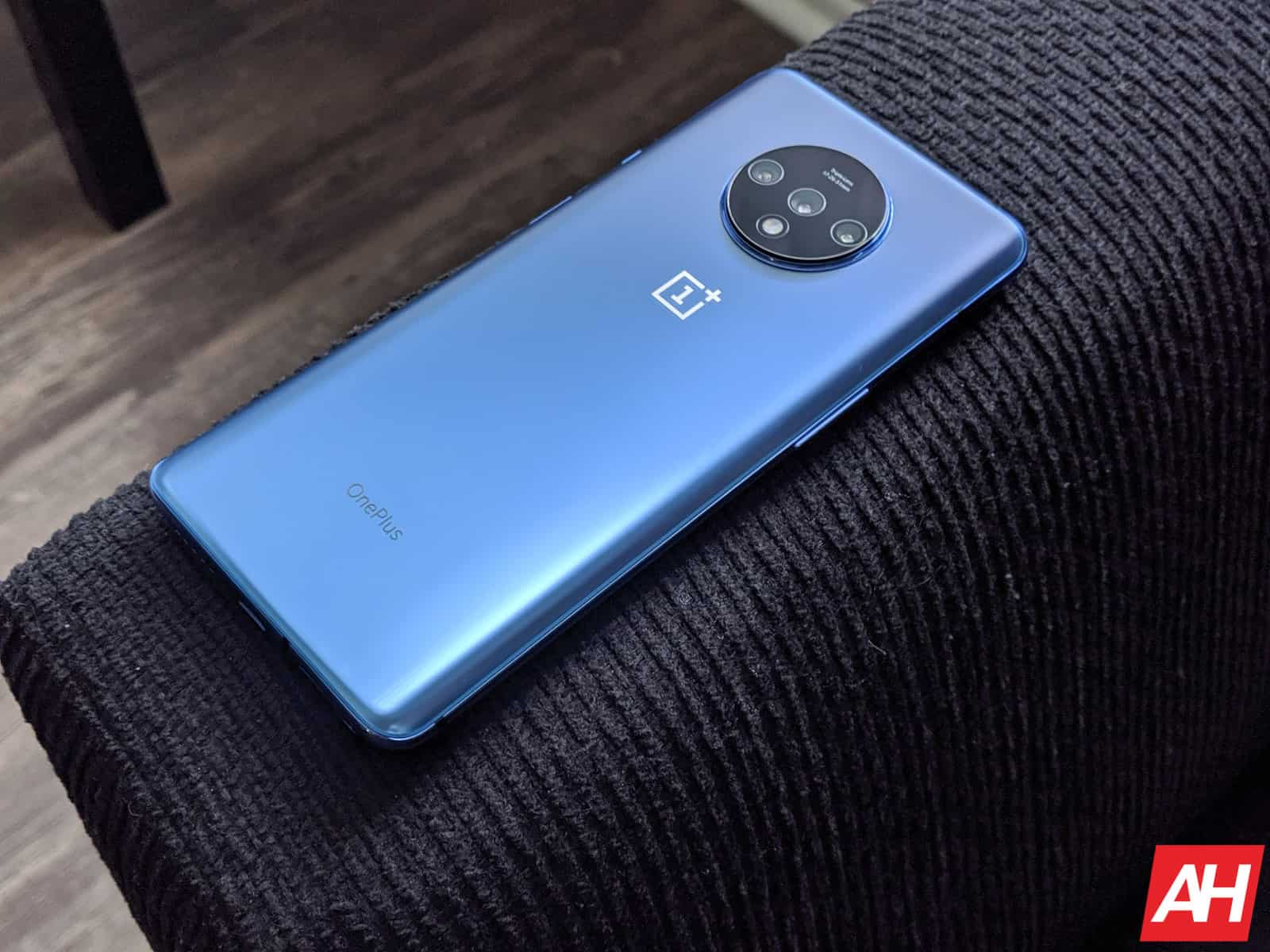 OnePlus 7T Review AM AH 14 2
