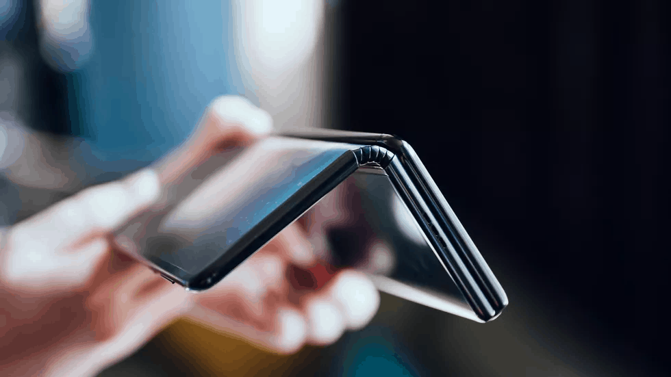 TCL prototype foldable smartphone image 3