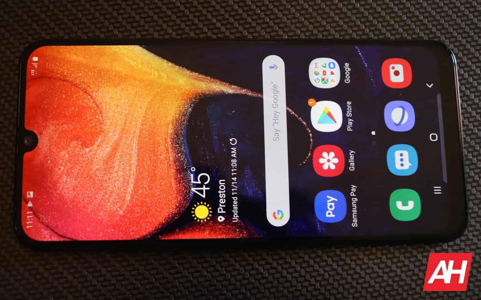 Samsung Galaxy A50 Review 03 display AH 2019