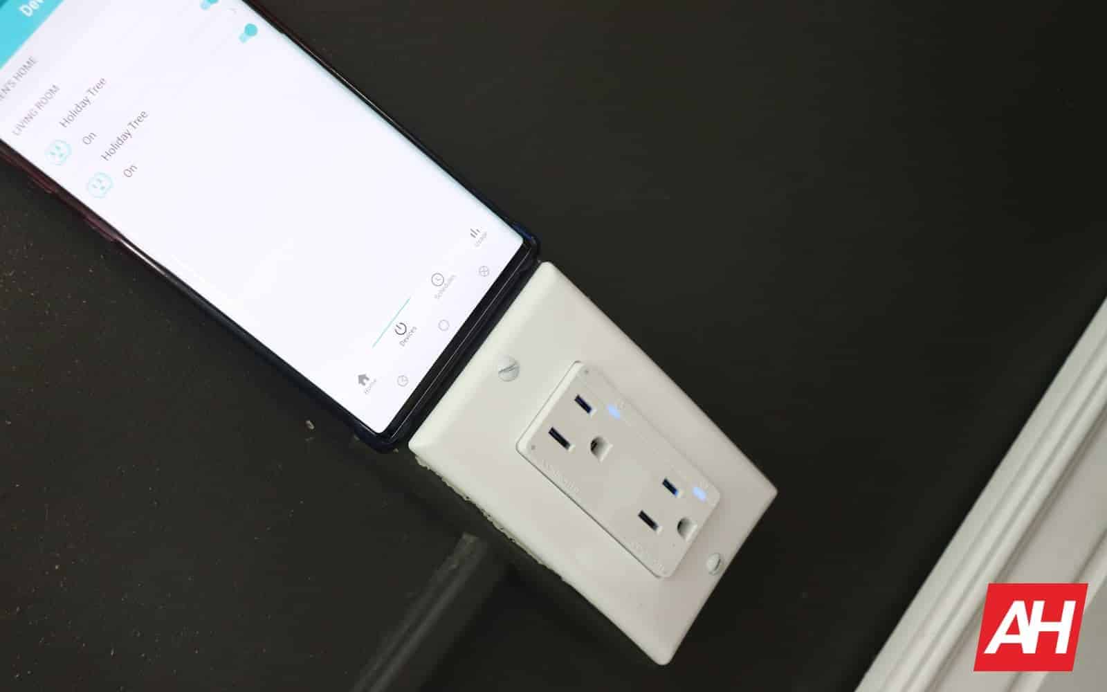 ConnectSense In Wall Outlet Review 04 0 Smart integration AH 2019