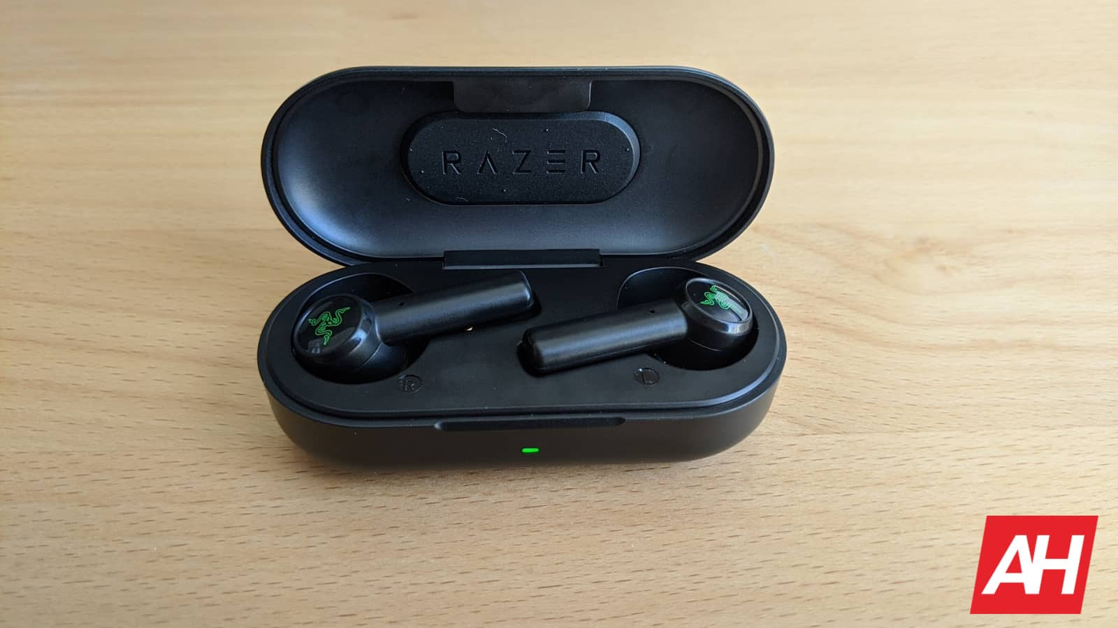 Razer Hammerhead True Wireless Earbuds Review Perfect For Mobile Gamers