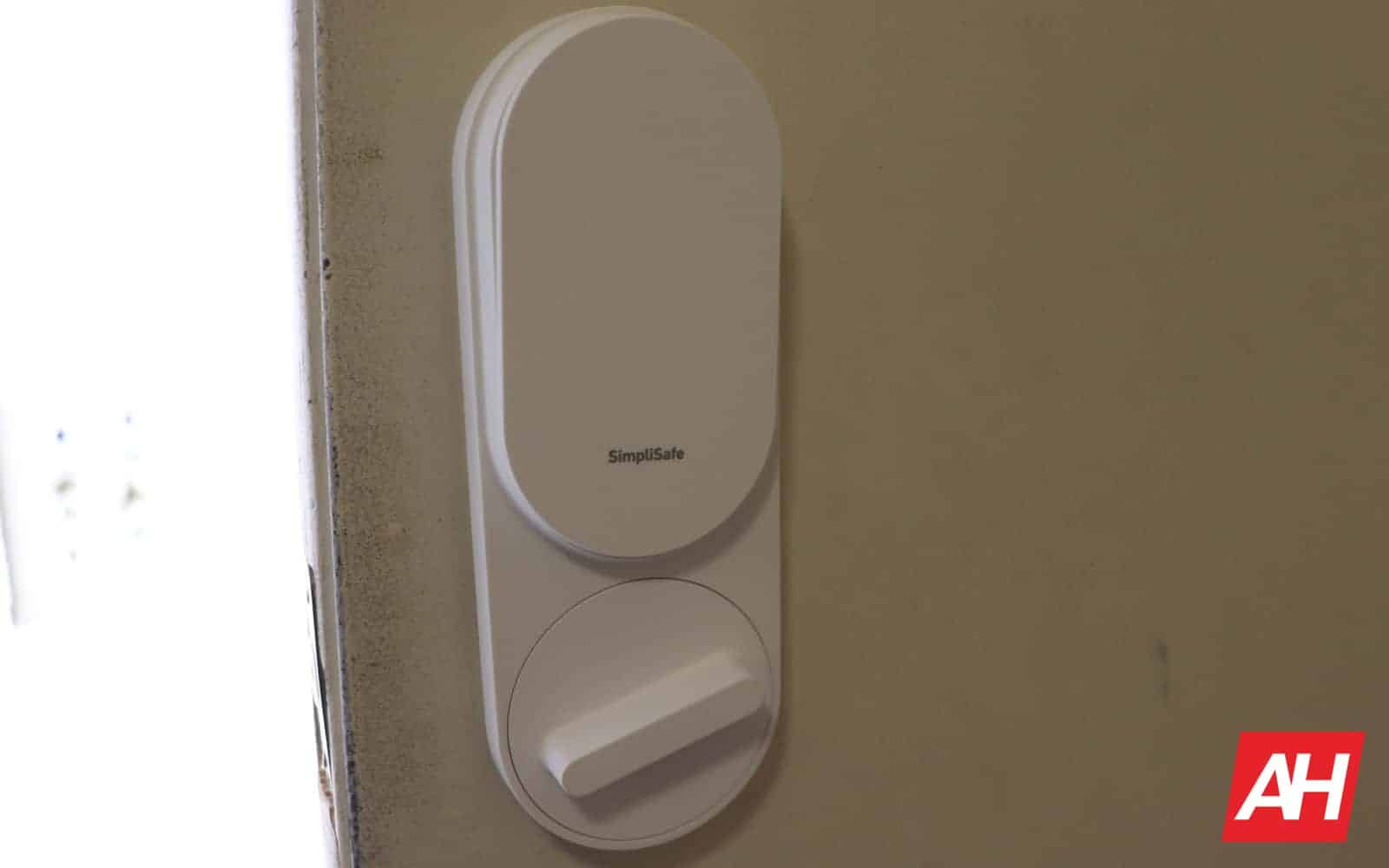SimpliSafe Review 04 3 Installation AH 2019