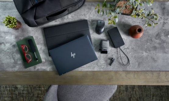HP Elite Dragonfly with Tile 1