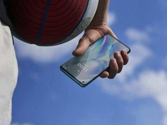 OnePlus 8 Pro lifestlye image 14