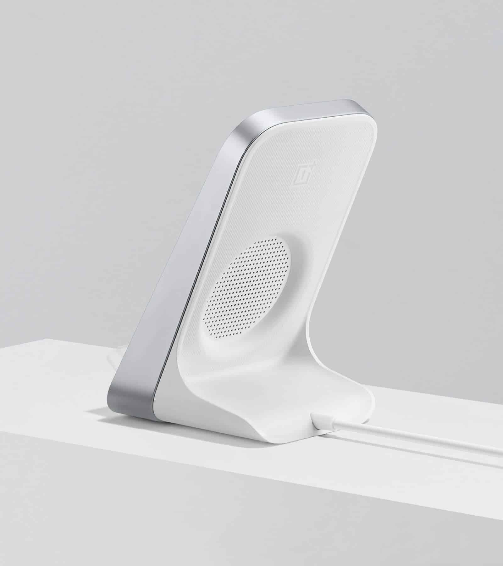 OnePlus 8 Pro wireless charging dock leak 2