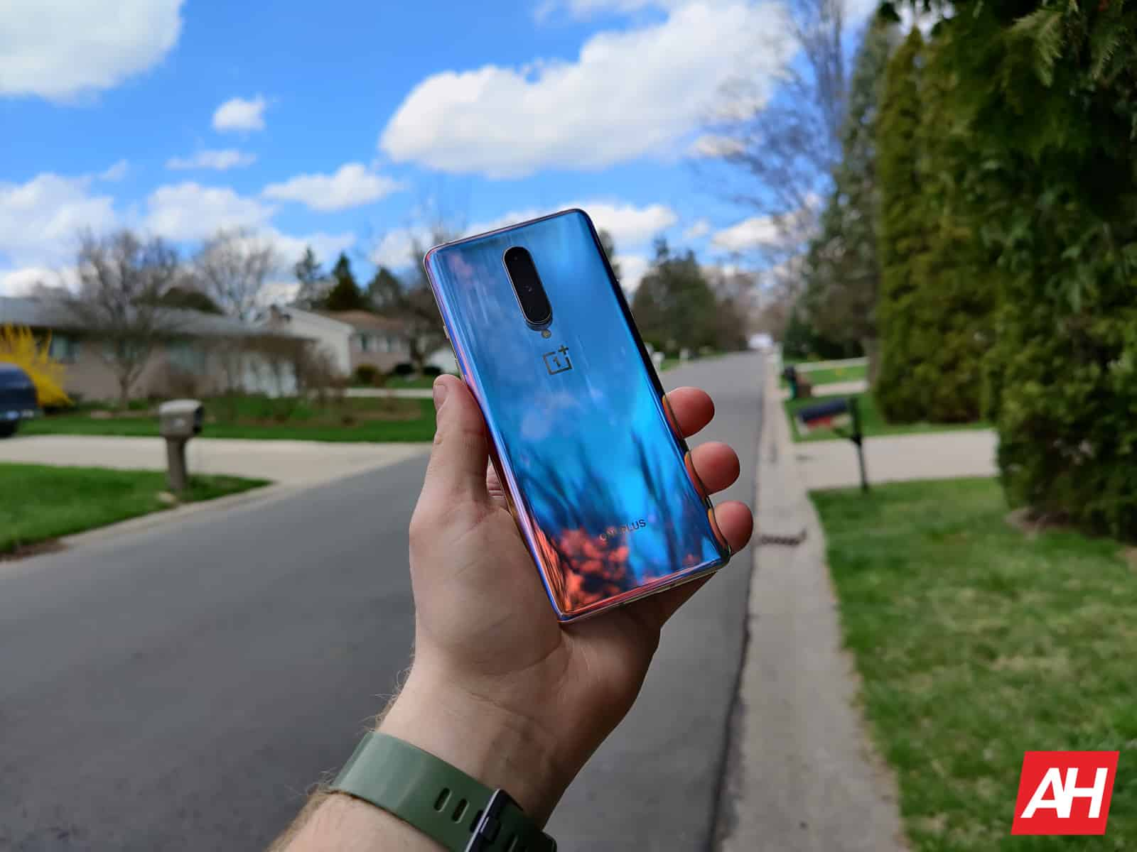 OnePlus 8 review AM AH 9