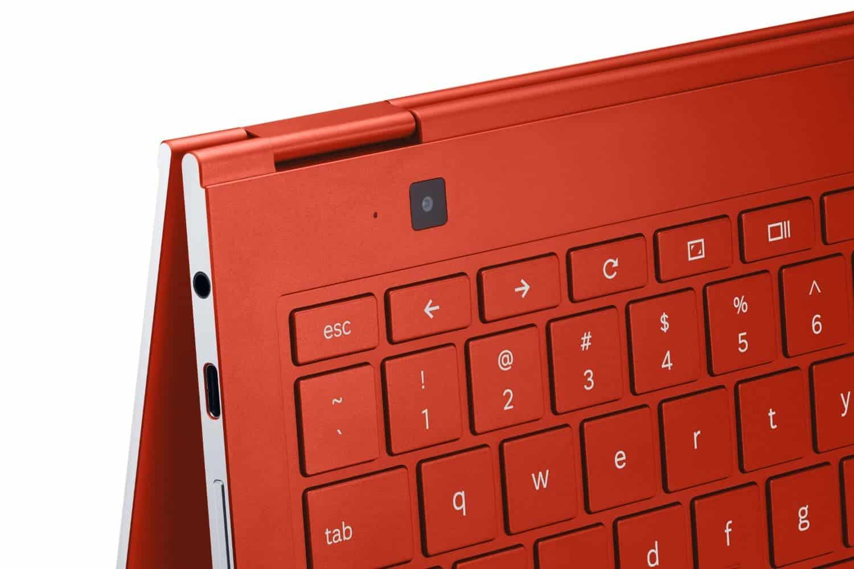 XE930QCA 033 Detail Red