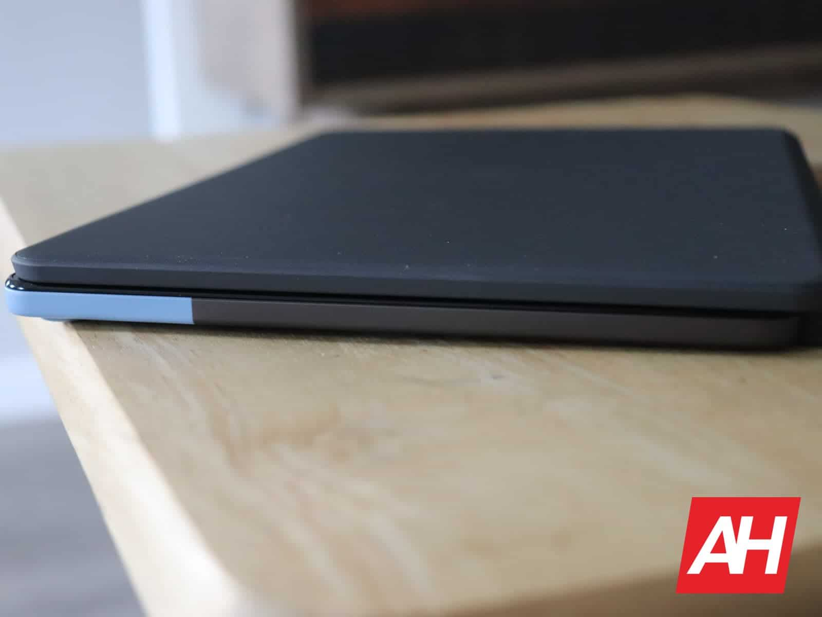 03 3 Lenovo IdeaPad Duet Hardware AH 2020