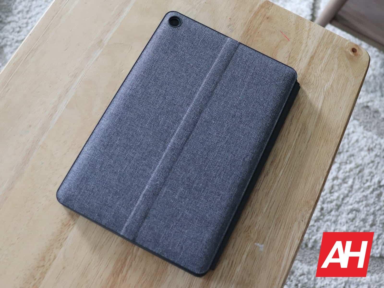 03 4 Lenovo IdeaPad Duet Hardware AH 2020