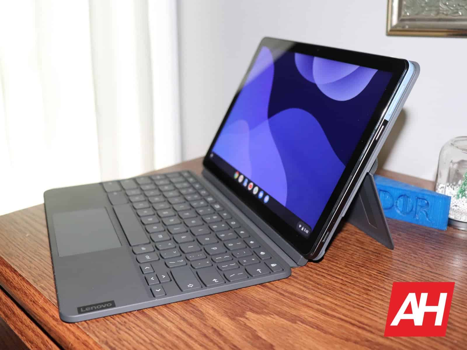 10 Lenovo IdeaPad Duet Final AH 2020