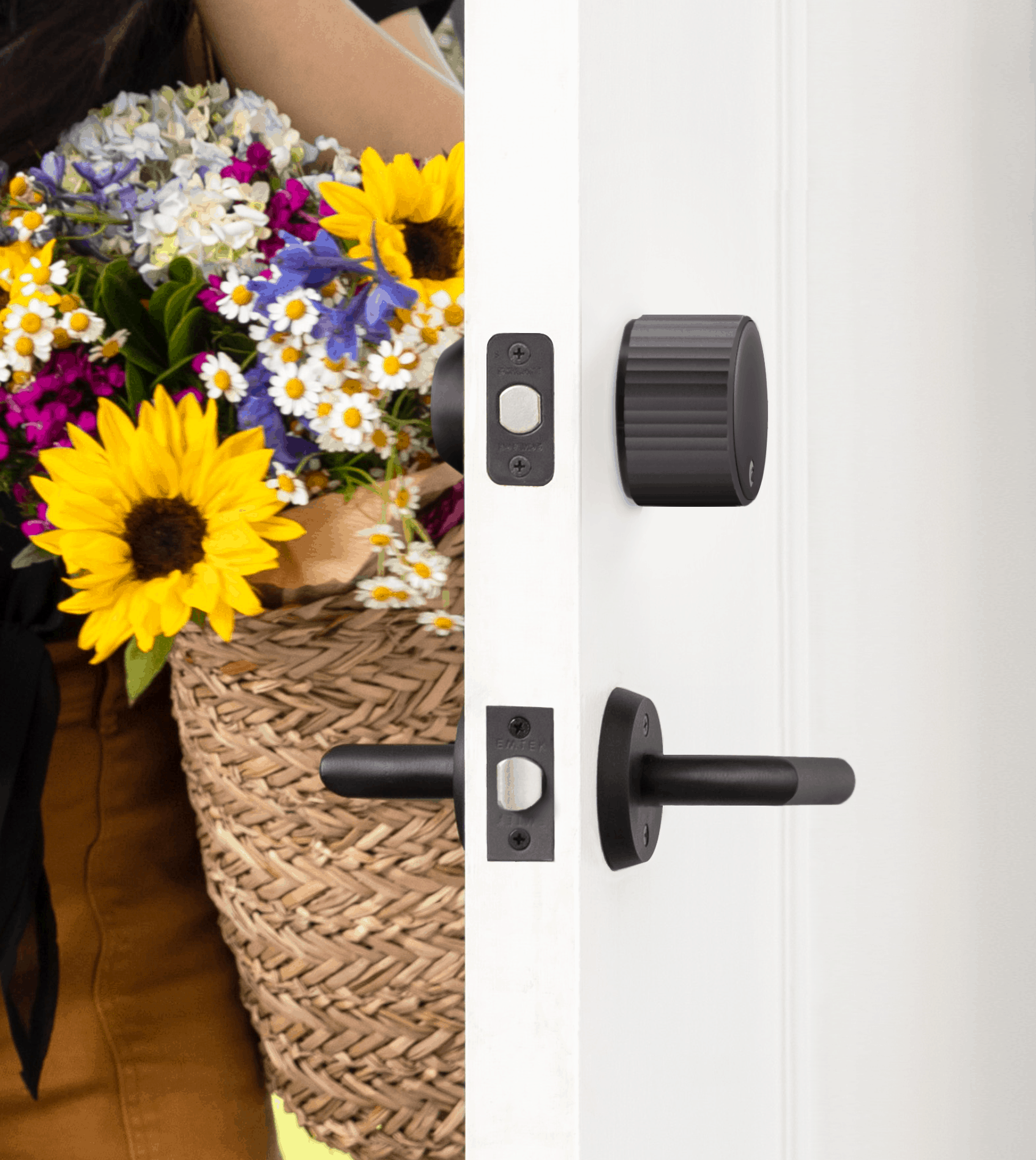 August Wi Fi Smart Lock MatteBlack Flower Mom