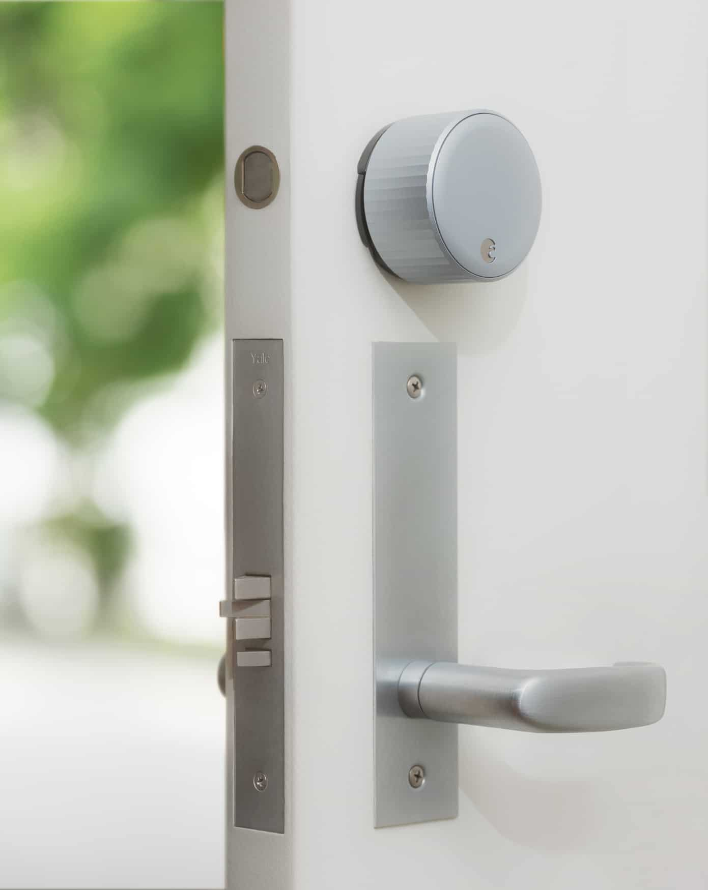 August Wi Fi Smart Lock Silver WhiteDoor RGB