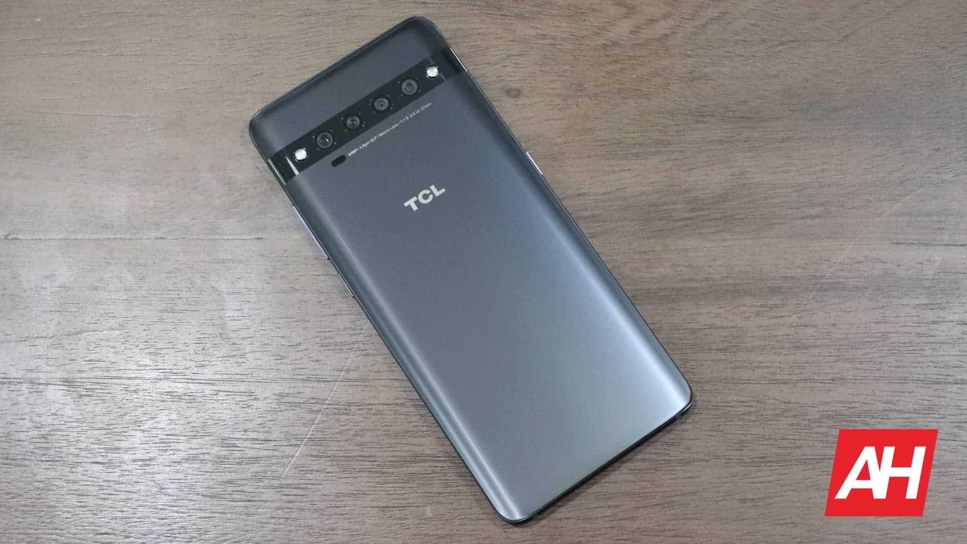 01 Hardware TCL 10 Pro Review AH 2020