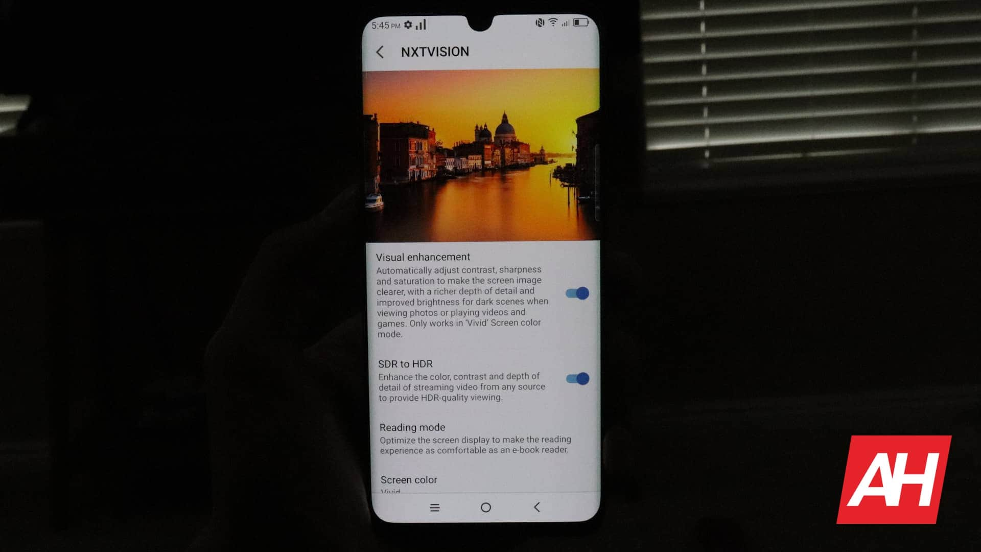 03 Display TCL 10 Pro Review AH 2020